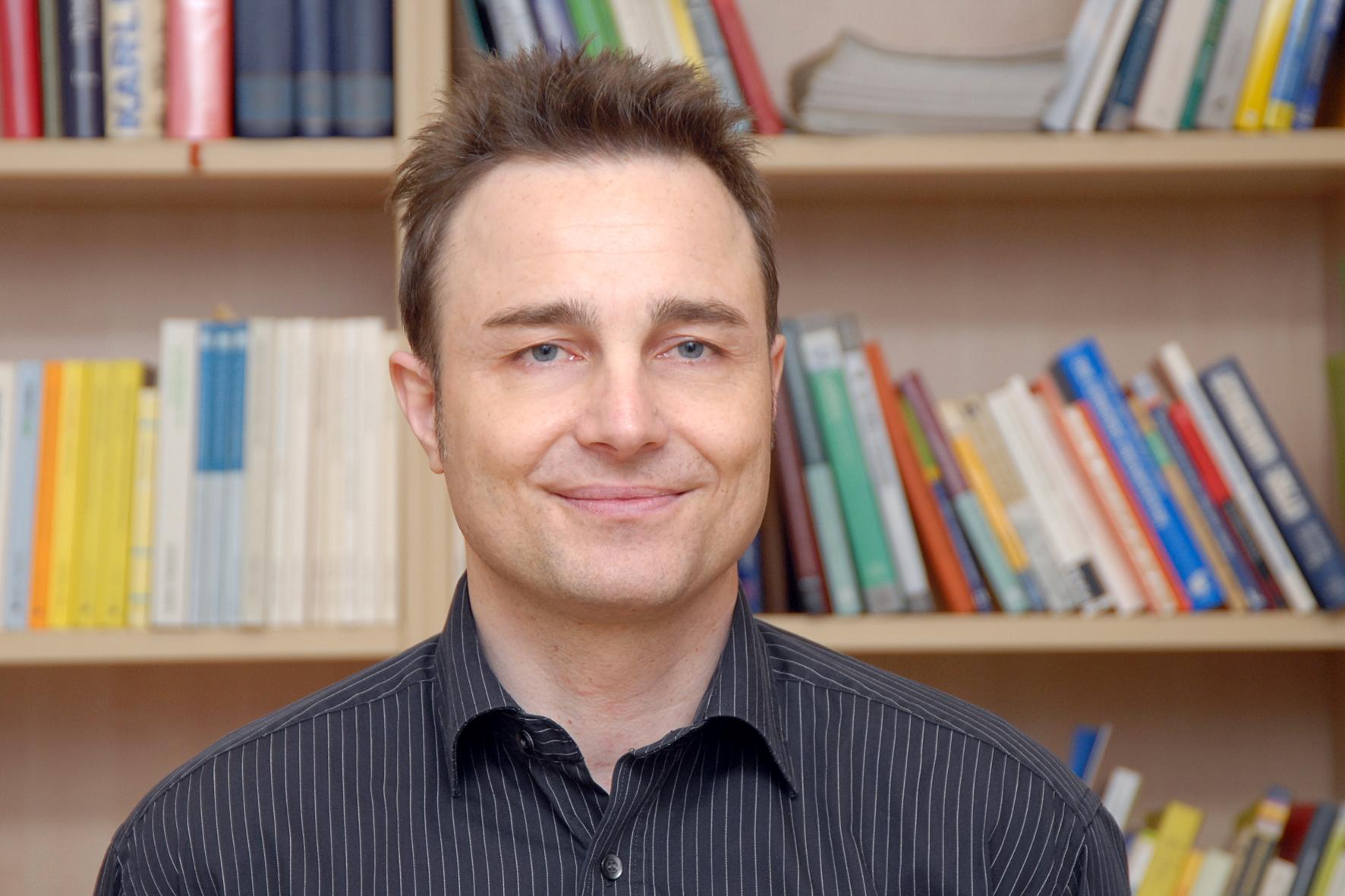 Prof. Dr. Nils C. Bandelow