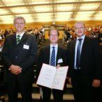 Wöhler-Vorsitzender Prof. Dr. Thomas Fässler, Dr. Marc D. Walter und Laudator Prof. Dr. Matthias Tamm (GDCh/Fotolutz)
