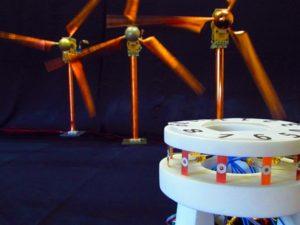 Mit dem skalierten Drehfunkfeuer bei 16 GHz sollen Störungen von sich drehenden Windrädern im Maßstab 1:144 gemessen werden