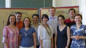 Bieten ihre Hilfe im Co-Teaching-Pool an: Die Absolventinnen und Absolventen bei der Zertifikatsübergabe