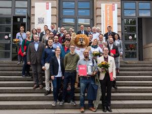 Die Gewinner des LehrLEO 2015. Der studentische Lehrpreis ist ein Bestandteil des weitergeförderten teach4TU-Projekts. Bildnachweis: TU Braunschweig