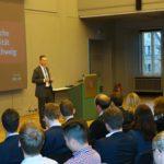 Grußwort von Dr. Michael Reinhart, Vorstand Volkswagen Financial Services AG (IF/TU Braunschweig)