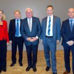 VWFS-Personalchefin Anja Christmann, IF-Leiter Prof. Marc Gürtler, Präsident Prof. Jürgen Hesselbach, VWFS-Vorstand Dr. Michael Reinhart und VWFS-Kooperationsbeauftragter Kondrad. (IF/TU Braunschweig)
