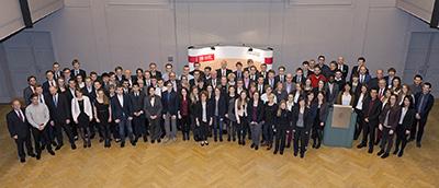 Urkundenübergabe: Die Stipendiatinnen und Stipendiaten sowie die Förderer der Deutschlandstipendien. Foto: TU Braunschweig/Bormann