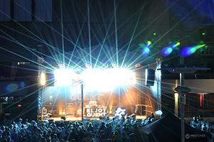 Die Bühne auf dem Forumsplatz bei der TU-NIGHT 2013
