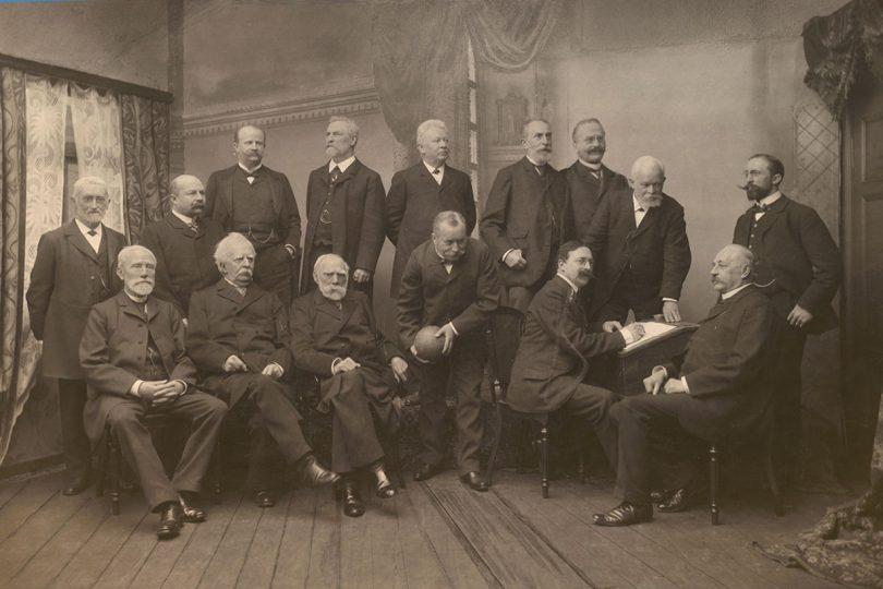 Ein schwarz weiß Foto, das Braunschweiger Professoren zeigt.