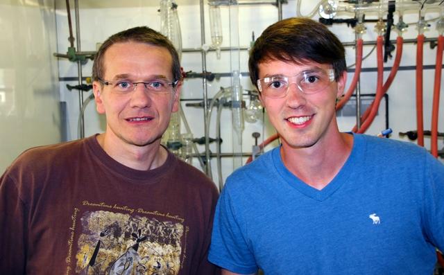 Prof. Martin Bröring mit seinerm Projektmitarbeiter Peter Schweyen.