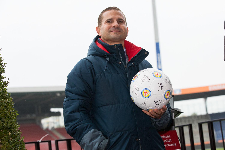 Begrüßung der Erstsemester im Eintracht-Stadion