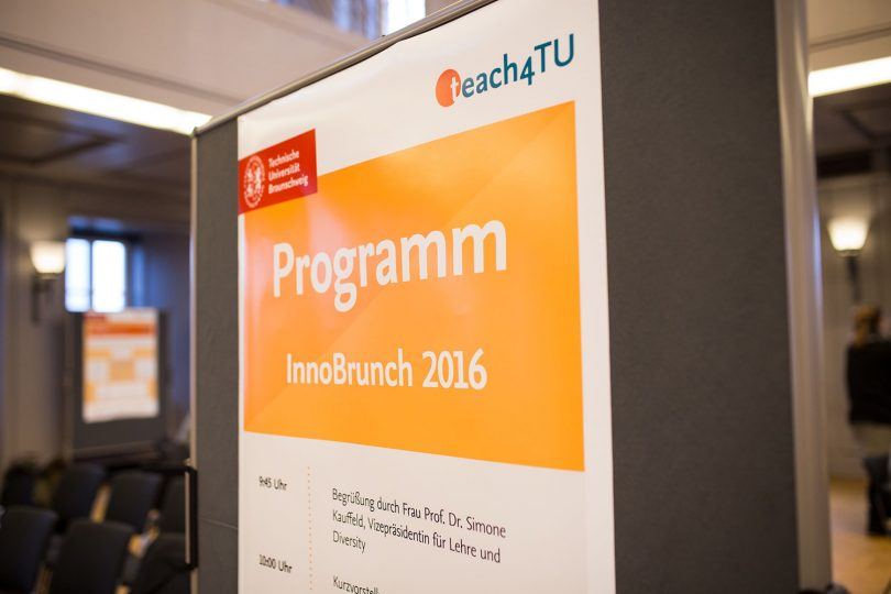 Plakat mit dem Programm des InnoBrunch 2016