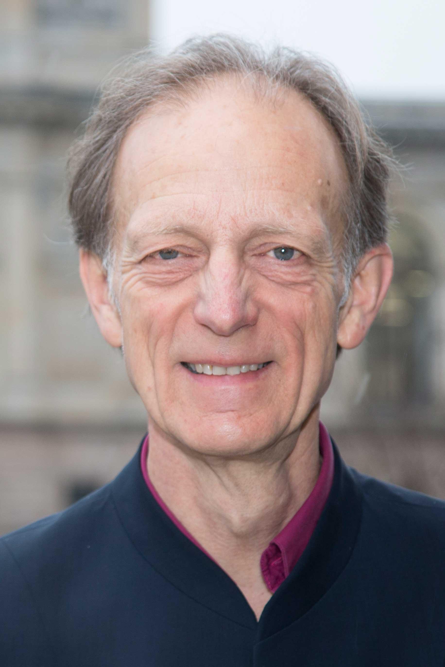 Portrait von Dr. Ulrich Loth