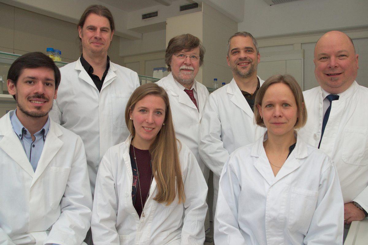 April: Biotechnologinnen und -technologen wollen Impfstoff gegen Zecken entwickeln