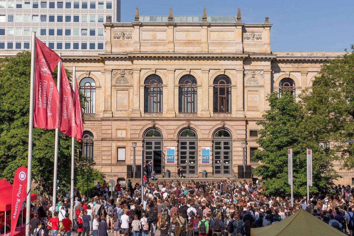 Mai: Hochschulinformationstag 2018