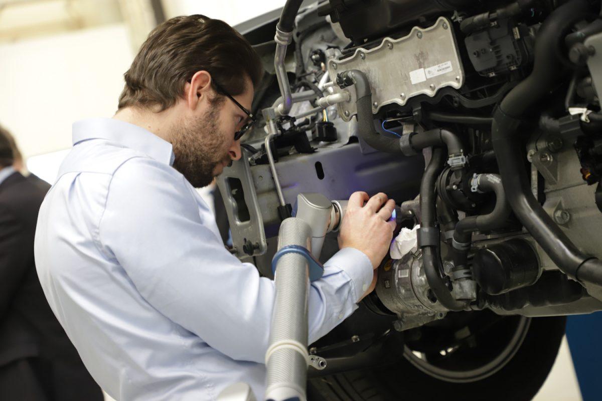 Besuch der Delegation im Niedersächsischen Forschungszentrum für Fahrzeugtechnik