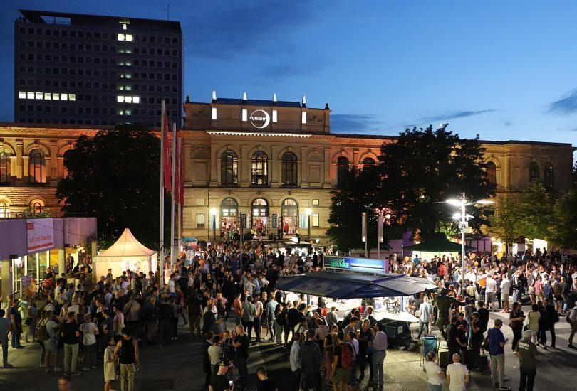Stimmungsvoll wird es auch diesmal wieder auf dem Universitätsplatz. Bildnachweis: Kristina Rottig/TU Braunschweig