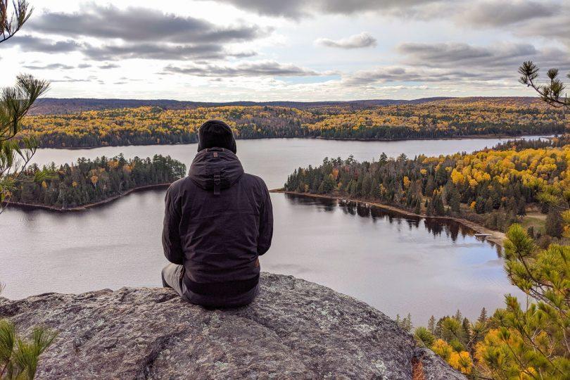 Der Regen hat sich im Laufe der Zeit aber glücklicherweise verzogen, sodass wir mit einem wahnsinnig schönen Blick über den Algonquin Provincial Park belohnt wurden. Bildnachweis: Nico Geisler/TU Braunschweig