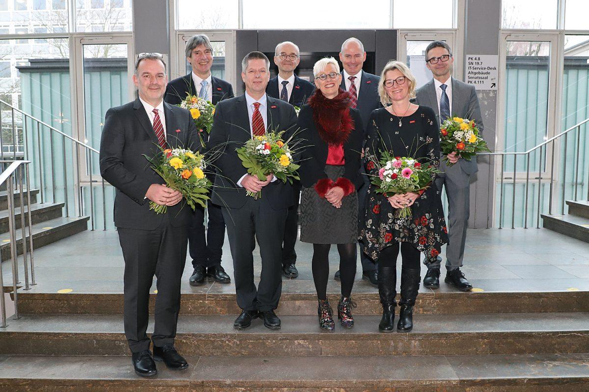 Januar: Neues Präsidium im Amt