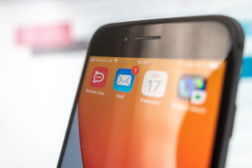 Screenshot of a smartphone displaying an e-mail notification