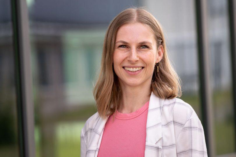 """Dr. Anne Reif vom Institut für Kommunikationswissenschaft (IfKW) der TU Braunschweig leitet das Forschungsprojekt """"TruSDi"""". Bildnachweis: Markus Hörster/TU Braunschweig"""